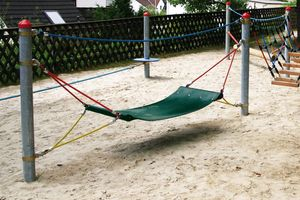 Rubber hammock, for robinia posts
